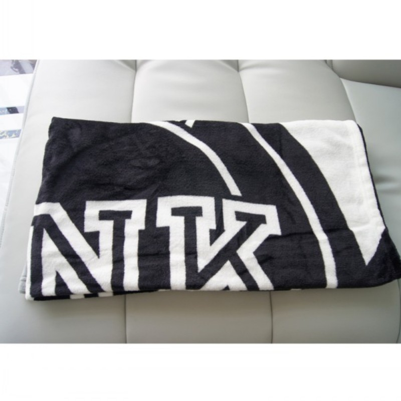 Knitted Gray Black Striped Thin Throw Blankets Manta Coral Flannel Blanket Sofa/Couch Bed/Plane Travel Plaids Summer TV Blanket-4