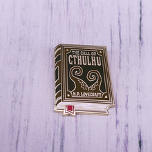Çağrısı Cthulhu kitap HP Lovecraft broş Tentacle kitap pin(China)