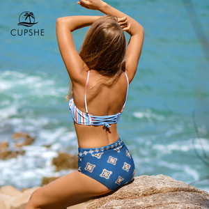 Image 2 - CUPSHE สีเขียวและดอกไม้ Lace   up Halter ชุดบิกินี่ผู้หญิง Scalloped 2 ชิ้นชุดว่ายน้ำ 2019 Girl ชุดว่ายน้ำชายหาดชุดว่ายน้ำ