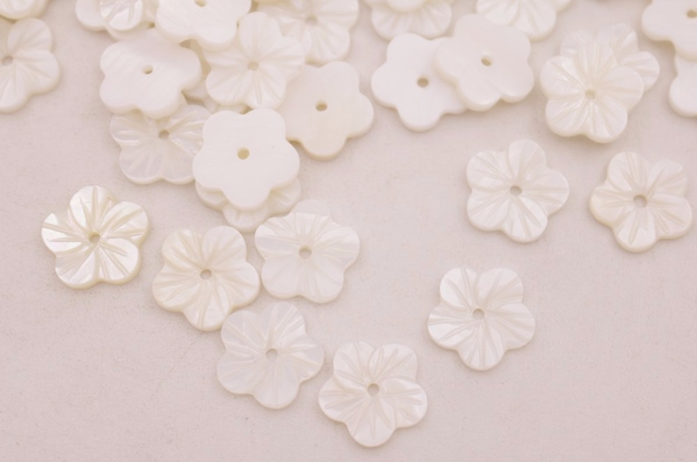 Купить с кэшбэком 50PCS 12mm Carved Natural White Shell Flower Loose Beads Jewelry Making Crafts