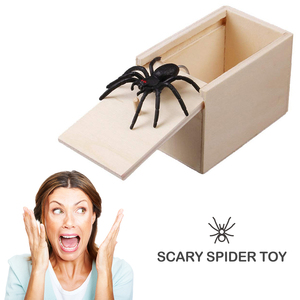 Hot Sale 1 pc Scare Box Wooden Prank Trick Scaring Toy Spider Worm Gag Toys Practical Joke April Fool's Day gift Surprise Box(China)