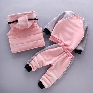 Image 3 - 2020 zima 3 sztuk dzieci pogrubienie kamizelka z kapturem sweter Pant dresy sportowe dla chłopców i dziewcząt ciepłe kreskówki strój dzieci odzież
