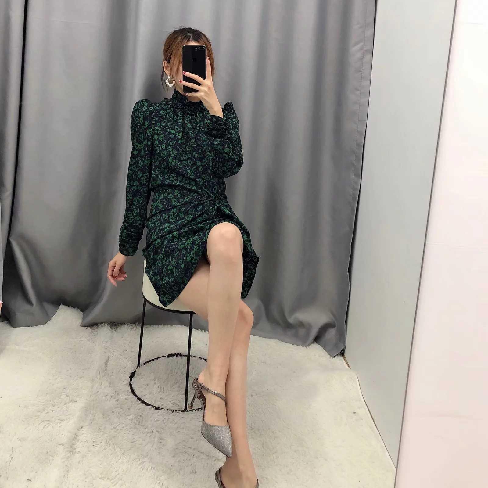 Za 女性ドレス 2020 グリーン花柄パフスリーブフリルタートルネックプリーツシックなレディーススリムでエレガントな女性ドレス