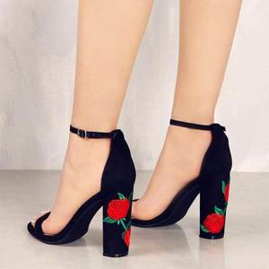 2018 Suede Shoes Woman  Embroider High Heel Women  Ethnic Flower Floral Party Shoes Plus Size Zapatos Mujer 1189
