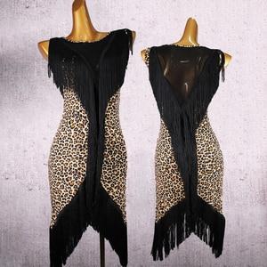 Image 4 - Latin dans elbise kadın püskül V tipi örgü dans giyim tüm vücut püskül hattı Salsa Fringe elbise Latina 2 adet elbise ve şort DQ3185