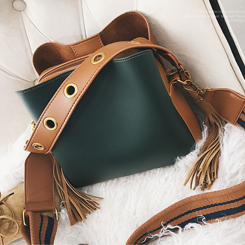 Casual Tassel Panelled Women Shoulder Crossbody Bags Designer Wide Strap Handbags Luxury Pu Leather Large Buckets Bag Tote Purse