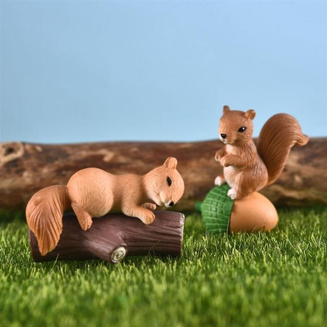4pcs/Set Lovely Squirrel Family Model Cartoon Animal Figurine Dollhouse Cake Home Decor Miniature Fairy Garden Decoration 2