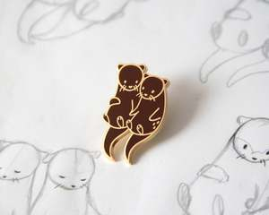 Otters Holding Hands Enamel Lapel Pin Badge Pins Hats Clothes Jewelry Accessories