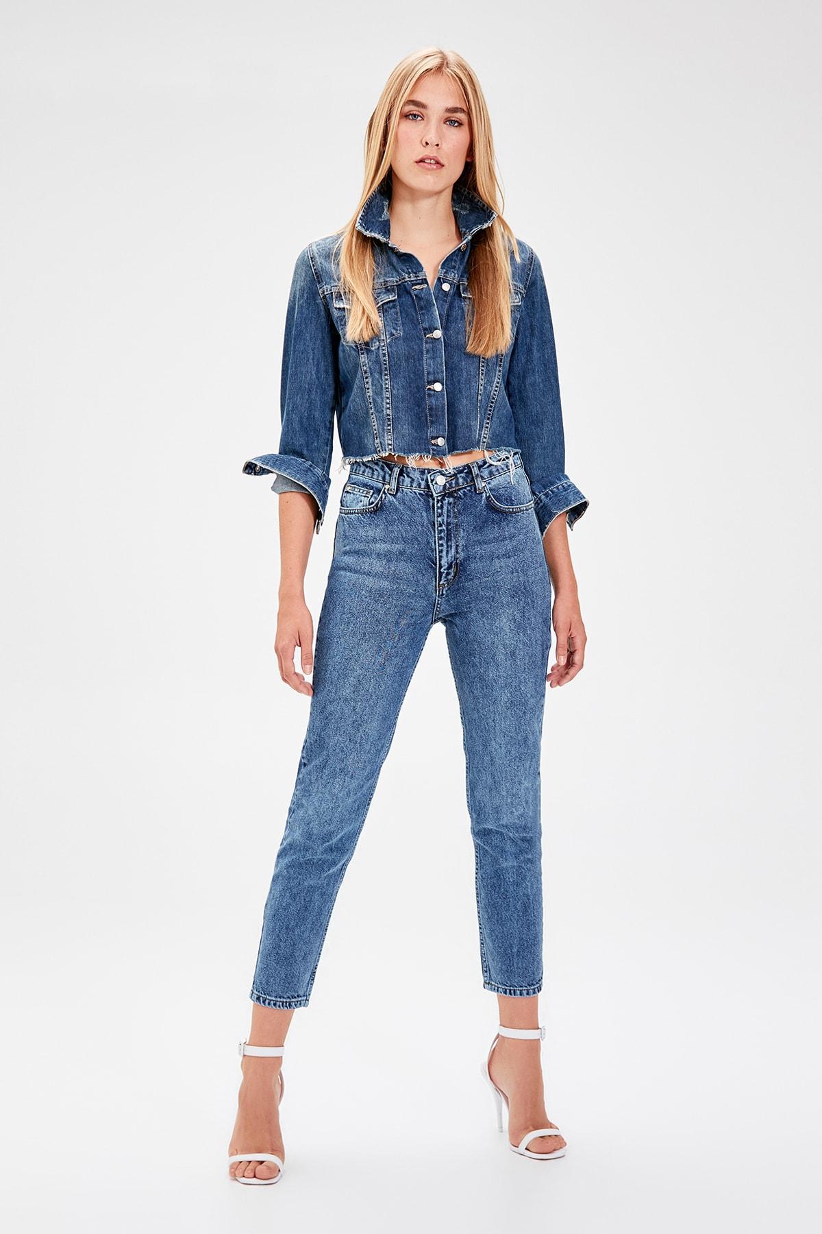 Trendyol Mavi Normal Waist Mom Jeans TWOAW20JE0053