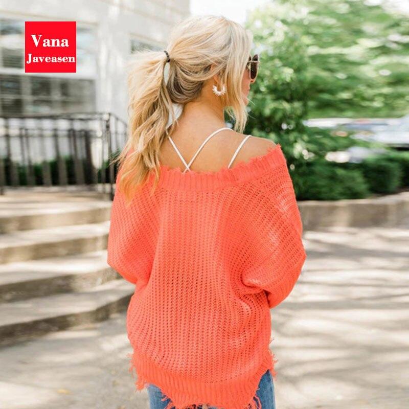 Poszarpany sweter cold shoulder