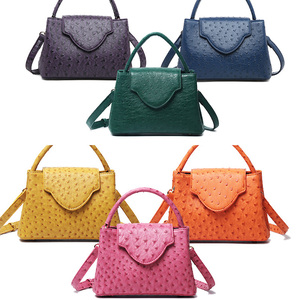 Image 5 - Lüks marka tasarım kadın devekuşu deri Tote çanta yılan desen deri omuz çantaları parti için sıcak satış