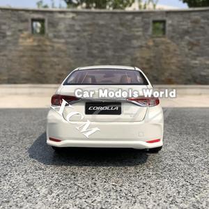 Image 2 - Modèle de voiture moulé sous pression pour toutes les nouvelles Corolla 2019 (blanc) + petit cadeau!!!!