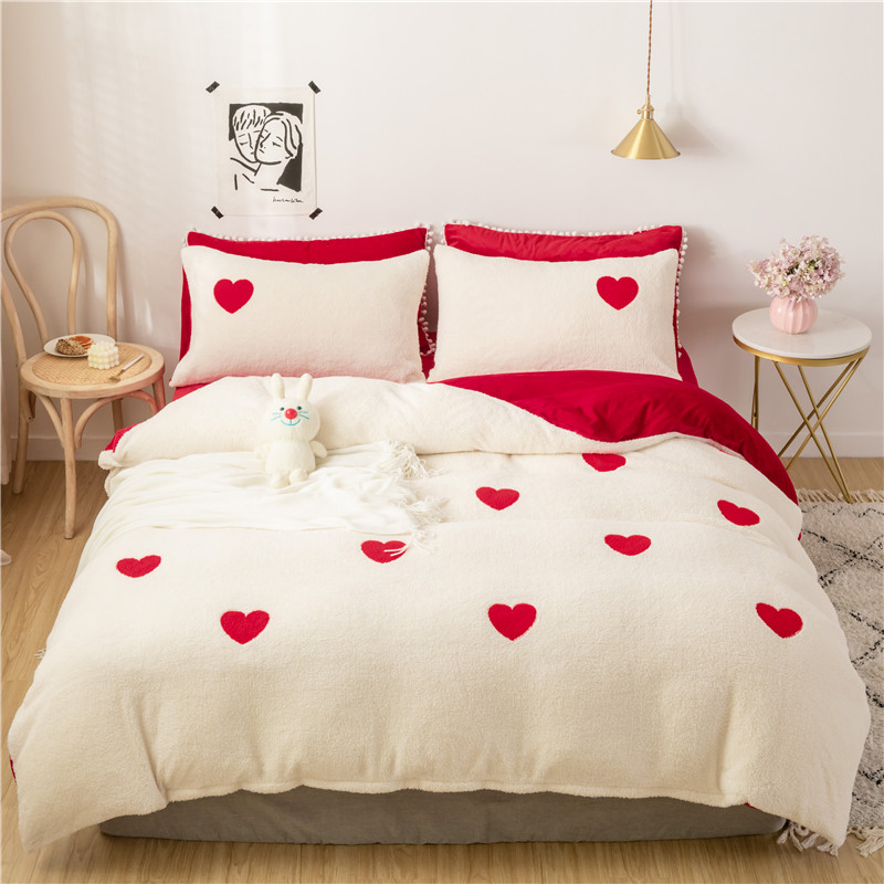 New Lamb Velvet Fabric Hred Heart Bedding Sets Cream Bed Set Double Twin Queen King Size Bed Cover Set Bed Sheet Set Pillowcase