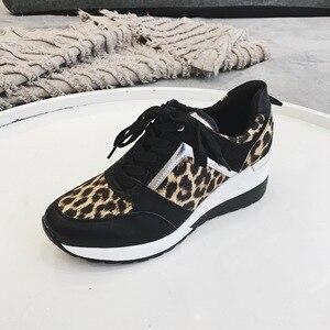 Image 5 - 新しいヒョウスニーカー女性新しいプラットフォームの靴女性のスタイリッシュな厚い唯一のスポーツファッションスタイル軽量サイズ 36 41