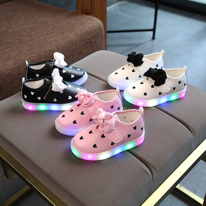 2020 Lovely butterfly kids shoes LED lighted hot sales infant tennis beautiful boys girls shoes Leisure solid children sneakers