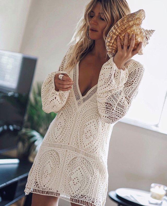 Linglewei New Spring and Summer Women's Dress sexy deep V long sleeve beach dress