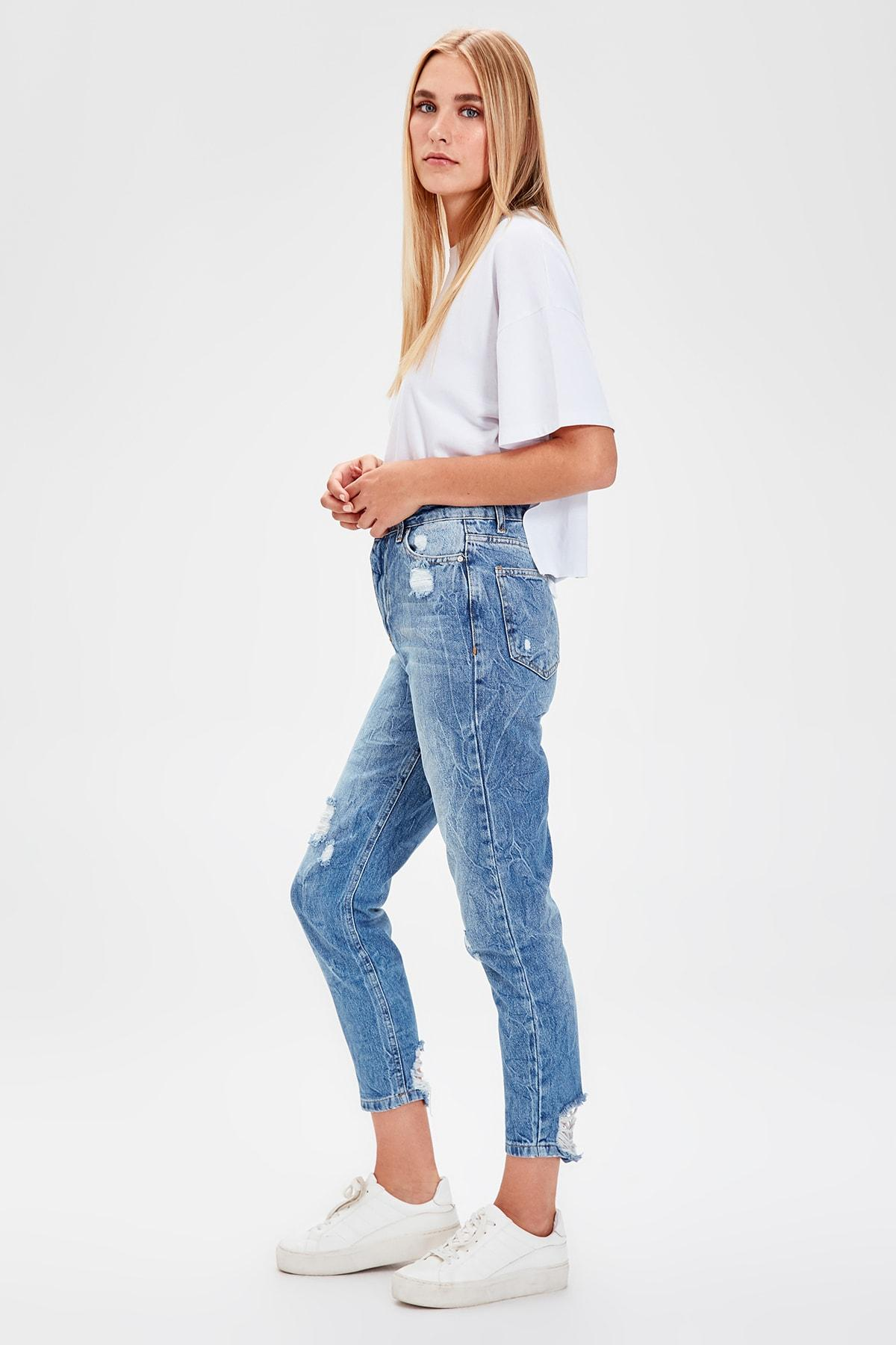 Trendyol Mavi-Flushing High Bel Mom Jeans TWOAW20JE0078