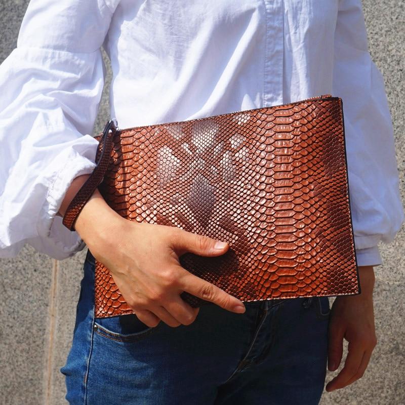 NIGEDU Fashion 3D Python Pattern Women Clutch Bag Brand Design Party Envelope Clutches For Ladies Wallet Free Card Bag Handbag