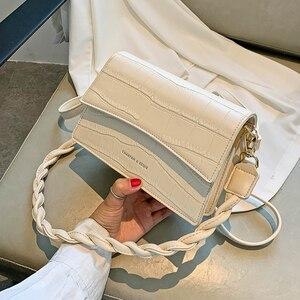 Francuska tekstura popularna Mini torba damska torba 2020 nowa moda na wszystkie mecze torba na ramię pod pachami netto czerwony Messenger Bagс доставкой