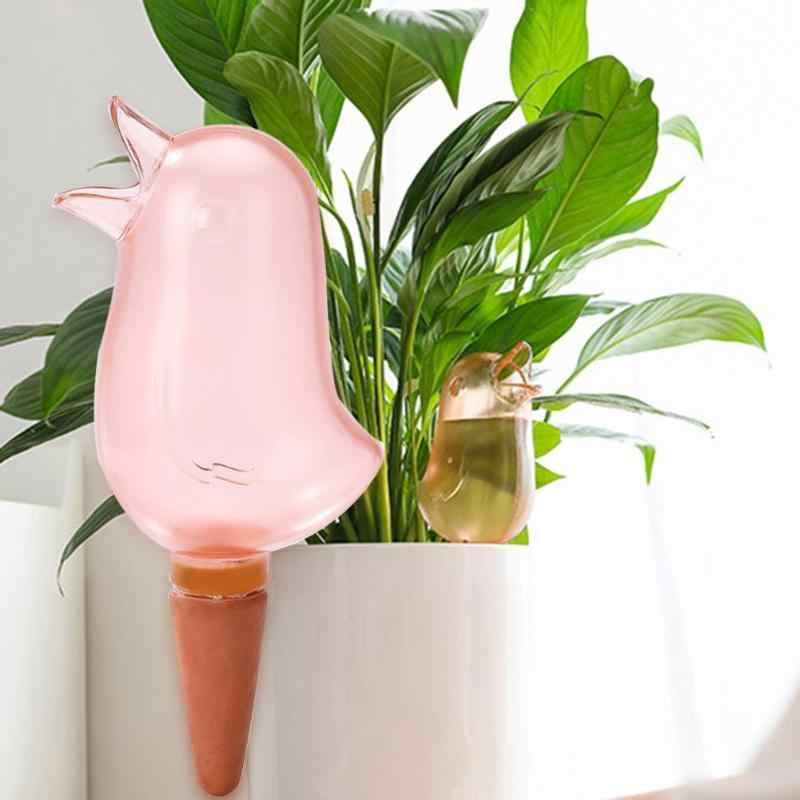 1pc Carino Automatico di Irrigazione Bollitore Forma di Uccello Gocciolamento Automatico Spruzzatore Pianta in Vaso Waterer Auto Versando Dispositivi Giardino Bottiglia
