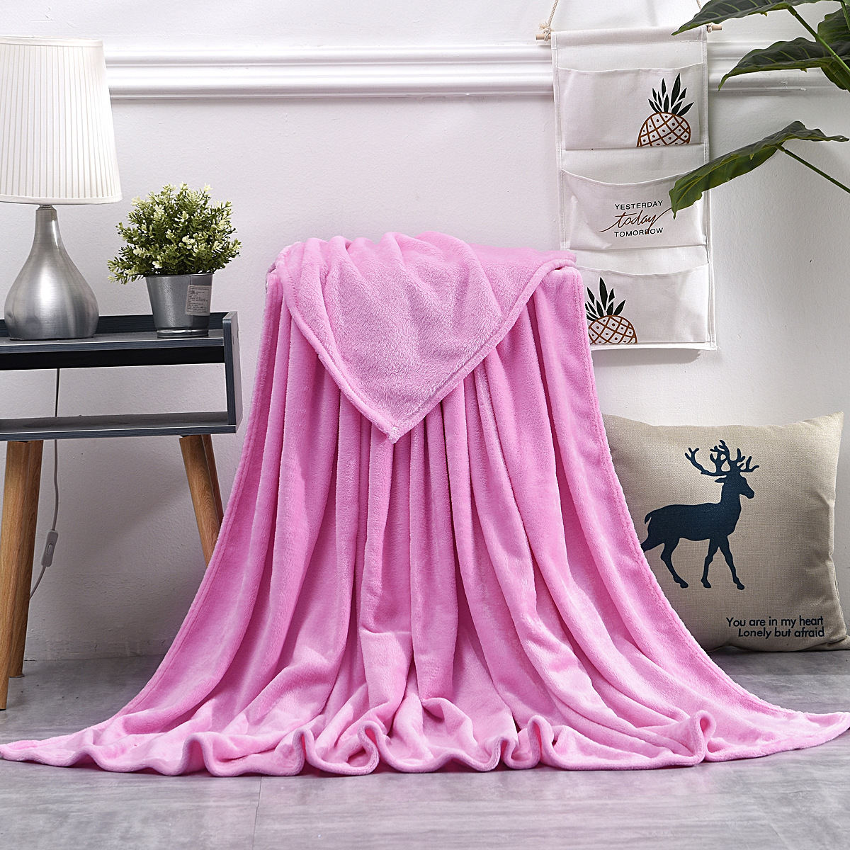 50x70 cm Soft Blanket Solid Color Flannel Coral Velvet Bedding Article Portable Winter Gift Office Nap Quilt Light Weight Throw