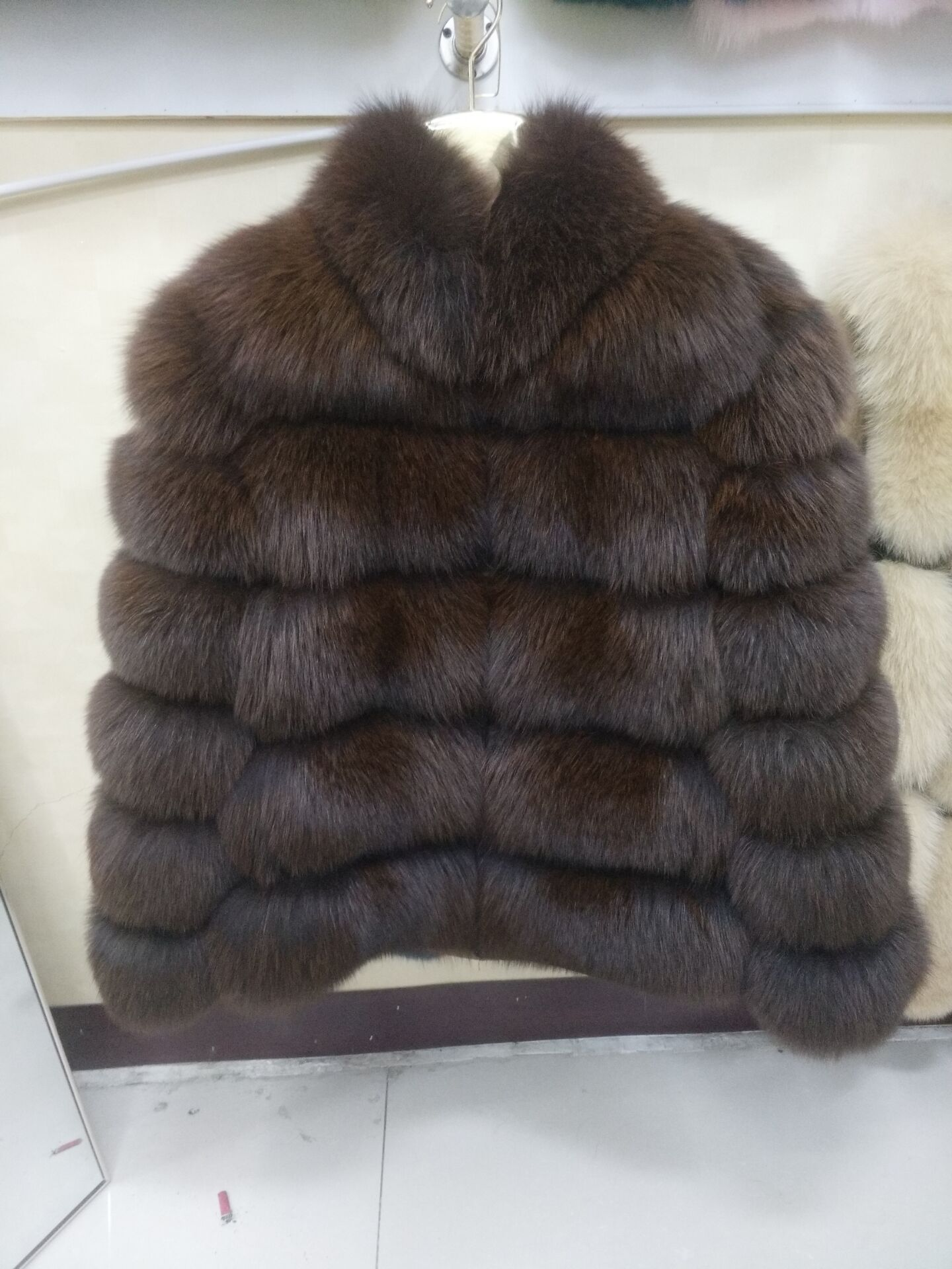 Volpe naturale cappotto di pelliccia reale della pelliccia di fox del rivestimento del bicchierino di modo di inverno caldo casual donna Europea di stile di strada-in Pellicce vere da Abbigliamento da donna su  Gruppo 1