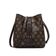 цены Brand Trend Printing Shoulder Messenger crossbody Handbag Wild Large Capacity Drawstring Women's Bucket Bag free shipping