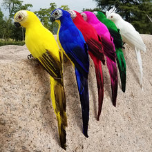 Фигурка попугай ручной работы пенопластовое перо ара газон декоративное