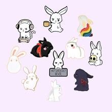 Śliczne królik serii emalia Pin Cartoon broszki z motywem zwierząt dla kobiet plecaki przypinka metalowa plakietka biżuteria prezent 2021 hurtownie