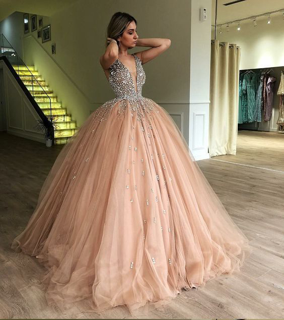 Ball Gown Gold Quinceanera Dresses Rhinestone Puffy Tulle Prom Dresses Elegant V Neck Sweet 15 Year Old 2020 Princess Gown