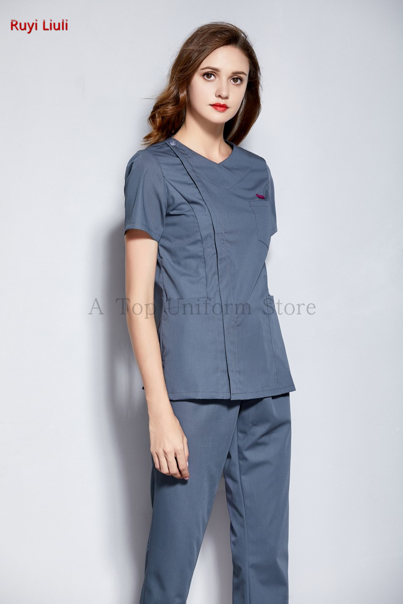 Nurse take oral medicine cosmetic plastic surgery hospital female doctor short sleeve wash clothes brush hand