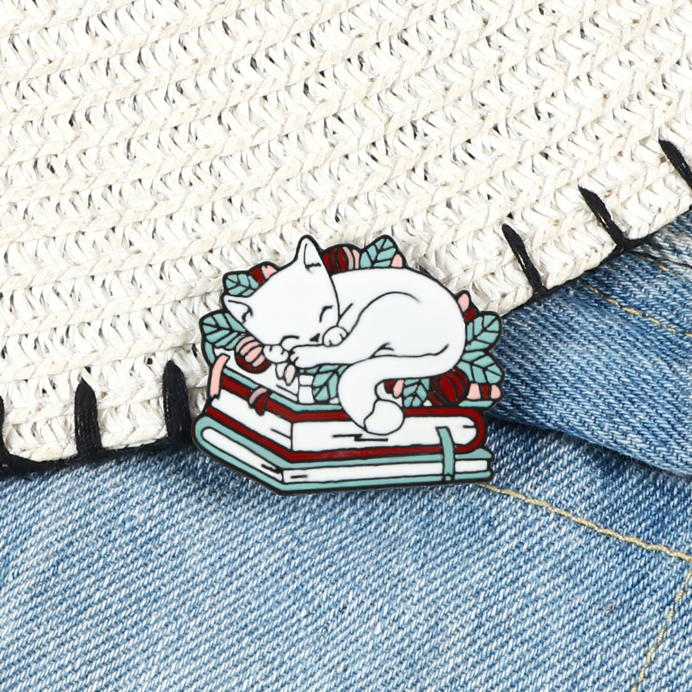 Cat Reading Book Enamel Pin Cartoon Sleeping Kitten Brooches Cute Book Lover Animals Badge Bag Clothes Lapel Pins Jewelry Gifts