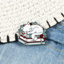 Lapel Book Jewelry Badge-Bag Pins Gifts Brooches Cute Animals Enamel-Pin Reading Kitten