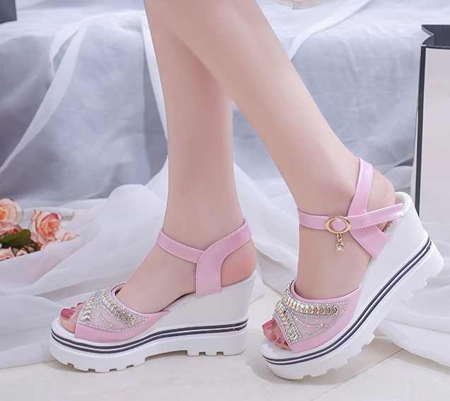 Giày Sandal Nữ Mùa Hè 2019 Mới Phiên Bản Hàn Quốc Của Muffin Nền Tảng Thường Ngày Sinh Viên Đi Biển Cho EU35-39