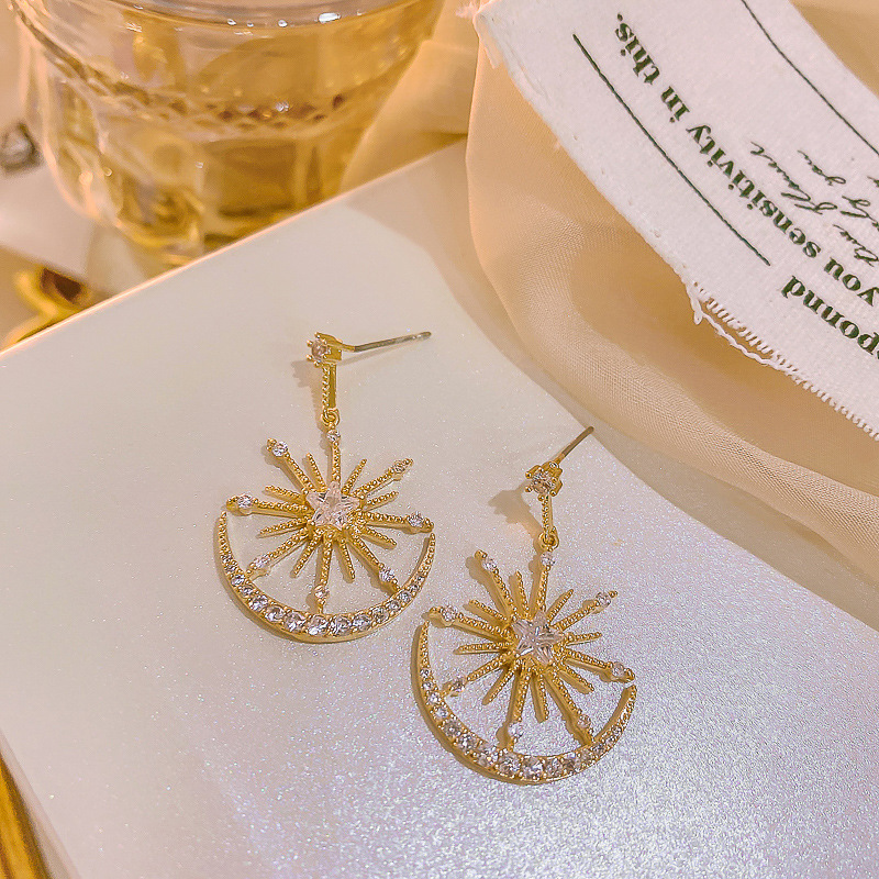 Korea Sparkly Rhinestones Star and Moon Temperament Earrings for Women Gold Color Metal Hollow Out Drop Earrings Pendientes 2020