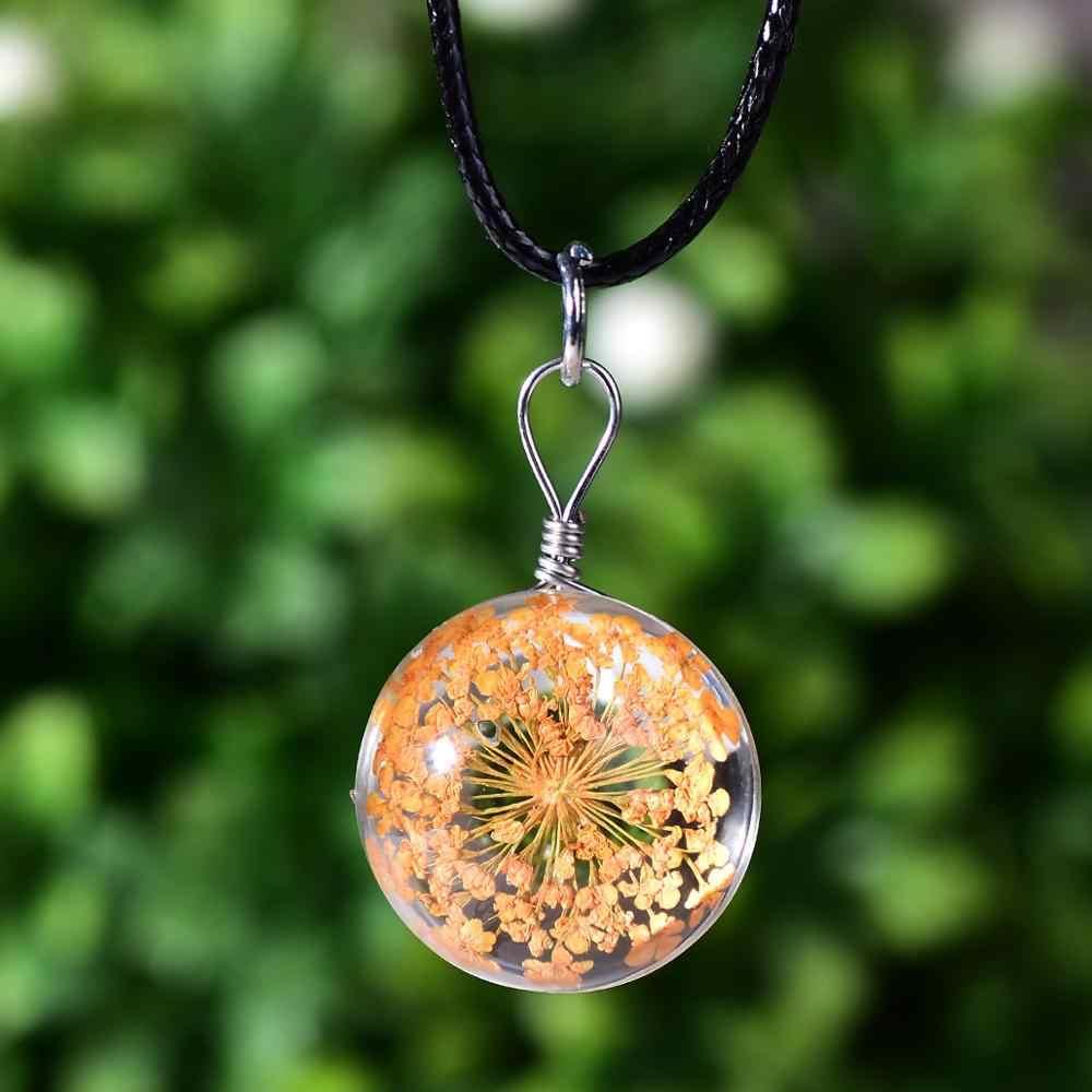 CHSXY belle fleur séchée collier boule de cristal fleurs de cerisier plante sèche pendentif Transparent en cuir corde collier pour les femmes