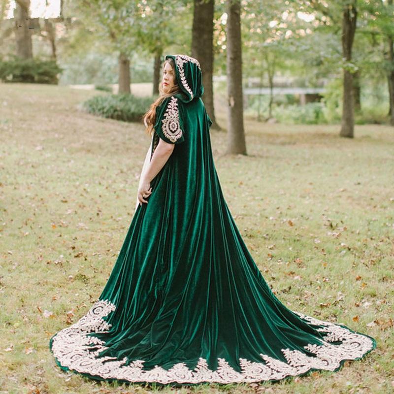 Hunter Green Velvet  Wedding Cloak 2020 Wood Hood Lace Applique Long Bridal Cape Bolero Wrap Wedding Accessories