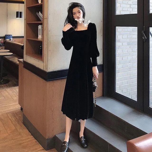 Autumn and winter 2021 new gold velvet dress women French retro square collar waist Office Lady  Knee-Length 4