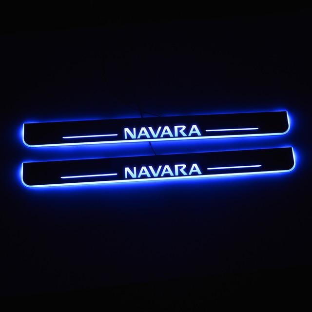 Led日産ナバラNP300 2015 2016 2017 2018ドアスカッフプレート経路ペダルしきい値歓迎ライト車アクセサリー