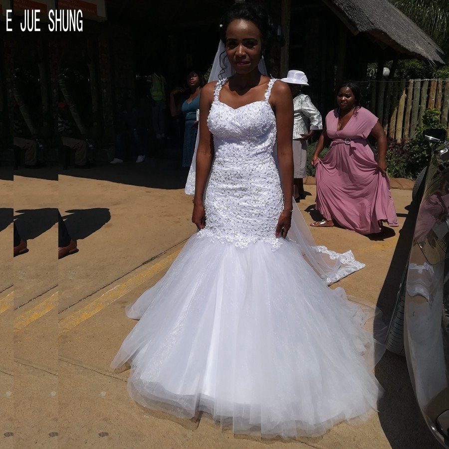 E JUE SHUNG African Mermaid Wedding Dresses With Pearls Spaghetti Straps Luxury Wedding Bridal Gowns Lace Up Vestido De Noiva