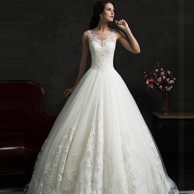 2018 Fall Amelia Bridal Gown With Sheer Boat Neck Illusion Buttons Back Lace Appliques Bridal Gown Mother Of The Bride Dresses