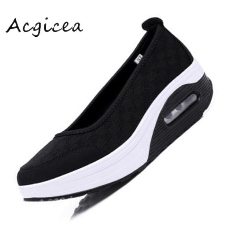 2020 yaz yeni kadın kalın tabanlı ayakkabılar sallamak moda rahat sallamak ayakkabı kalın alt sünger kek tek yastık ayakkabı s012
