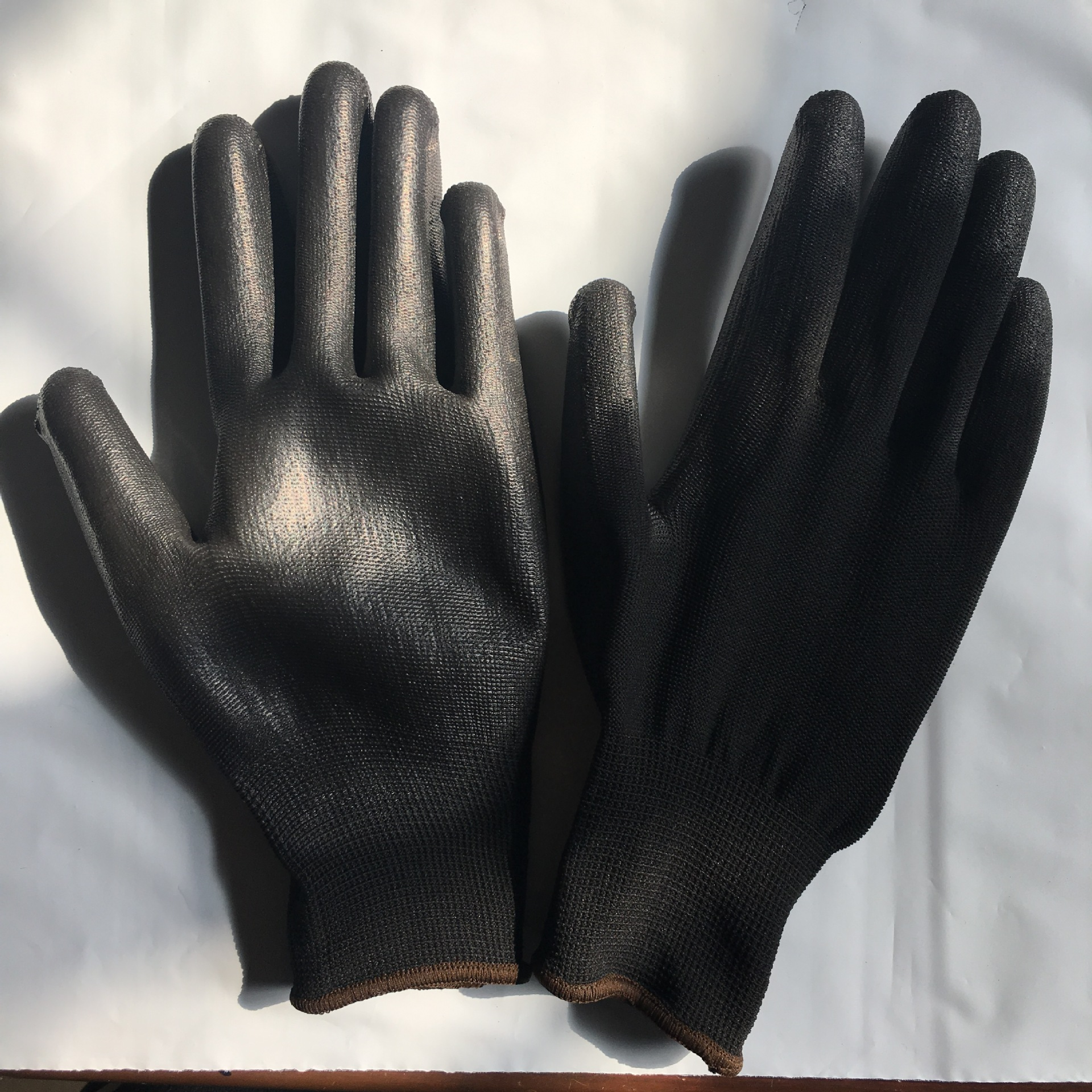 Hot Sales Black And White With Pattern Polyurethane/Nylon Safe Anti-static Paintcoat Gardening Gloves Nylon Gloves