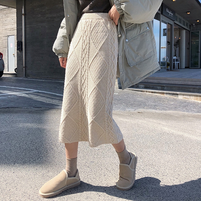 2019 Knitted Skirt Retro Twist Lingge Female Winter Korean Version Of The High Waist Was Thin In The Long Section Bag Hip Skirt