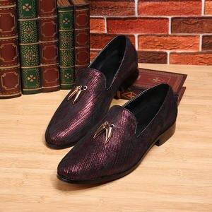 Mocasines De Barco Antideslizantes Casuales con Estilo Zapatos De Cuero Decorativos De Metal con Punta Redonda para Caminar Color : Negro, tama/ño : 38 EU Apragaz Mocas/ín Negro para Hombres