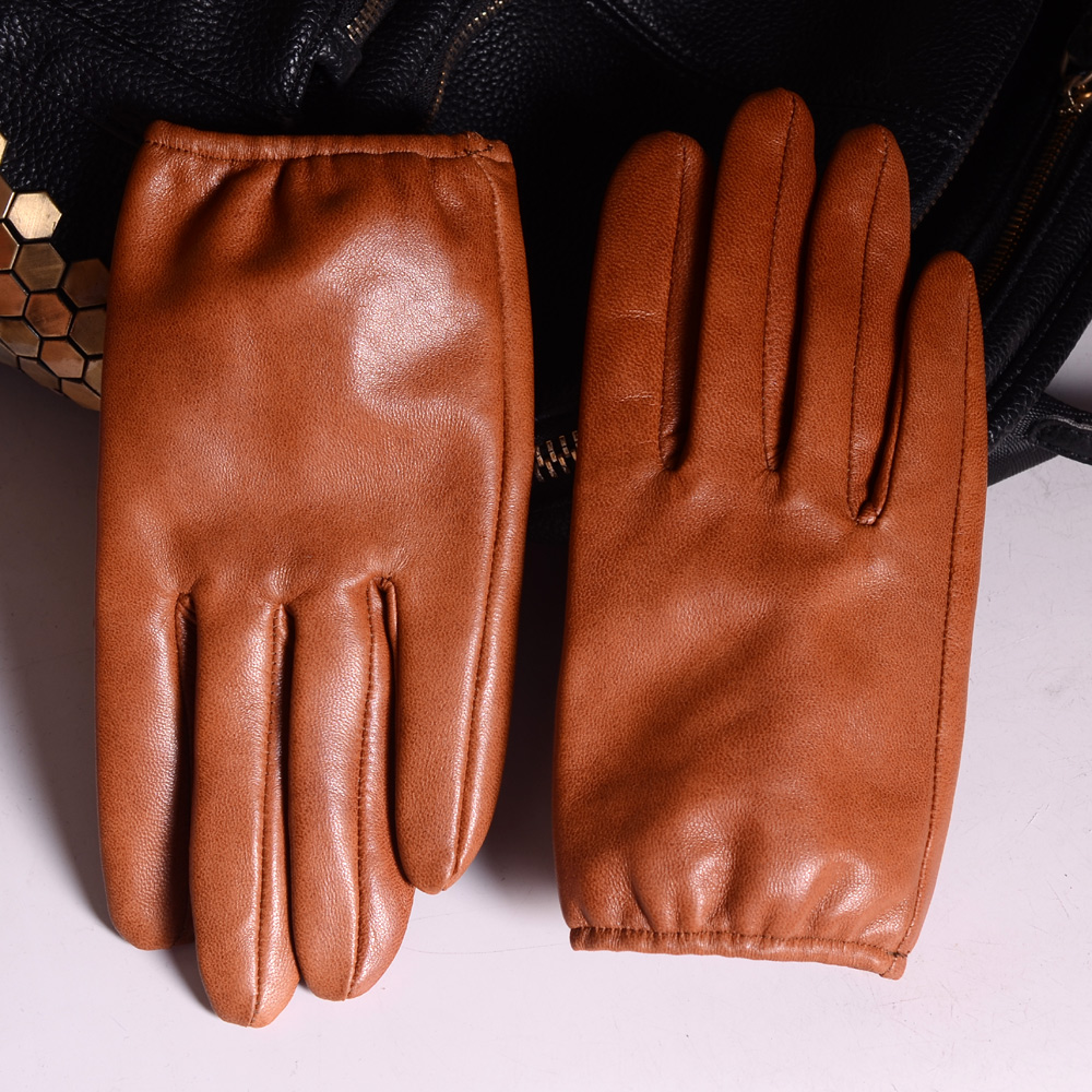 Men Leather Driving Gloves With Leather Covered Button --- 100/% Goat Leather