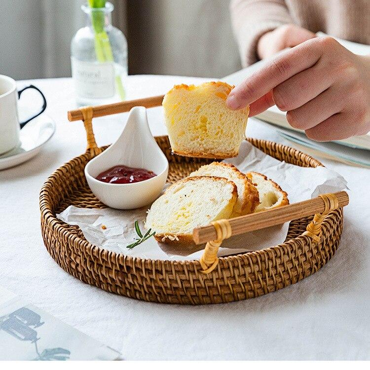 ארוג ביד קש אחסון מגש עם עץ ידית עגול נצרים סל לחם מזון צלחת פירות עוגת מגש ארוחת ערב מגש הגשה
