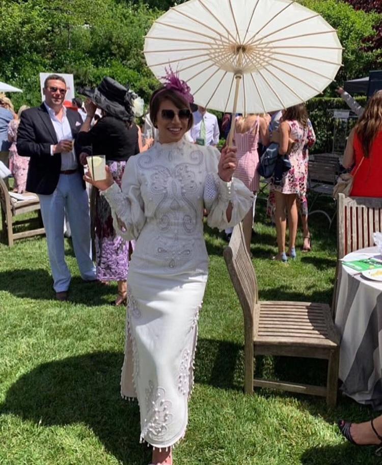 2019 Herfst Designer luxe Parel Kwastje Hanger Jurk Vrouwen Lantaarn Mouw katoen Borduurwerk Wit Split Jurken-in Jurken van Dames Kleding op  Groep 2