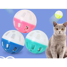 Питомец попугай кошка пустотелая игрушка шар пластиковый двухцветный шар диаметр 3,8 см забавная игрушка клетка