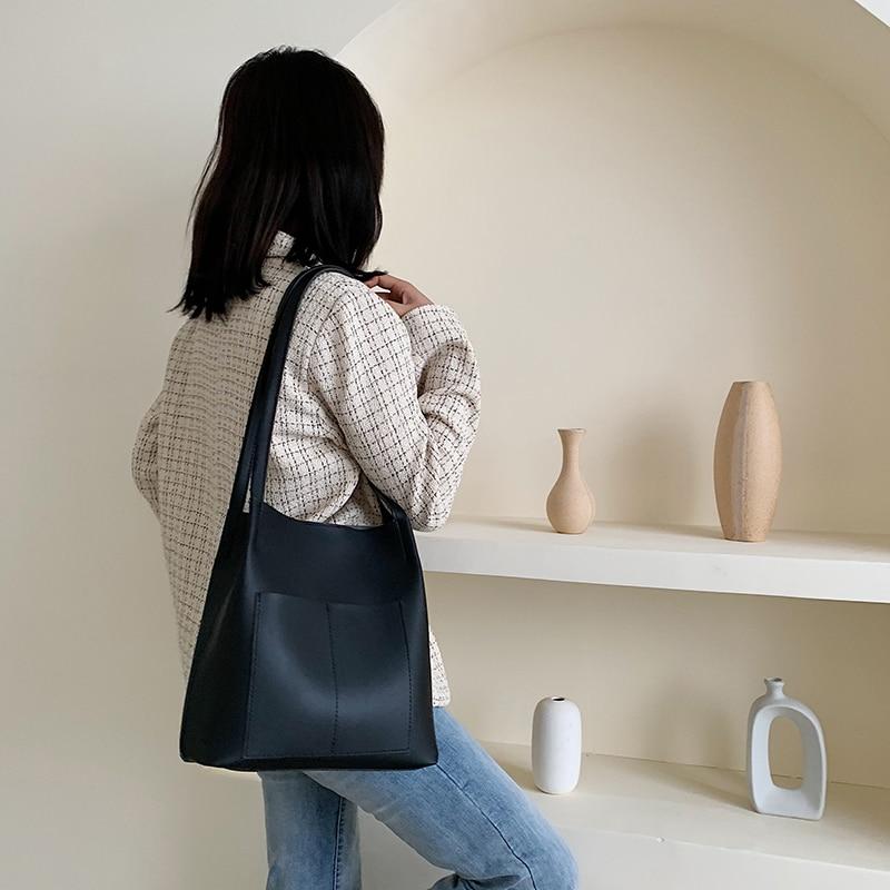 1598.93руб. 29% СКИДКА|Дамская модная сумка на плечо, большая вместительность, простая Темпераментная Женская рабочая сумка, полиуретановая Водонепроницаемая классическая сумка на плечо|Сумки с ручками| |  - AliExpress